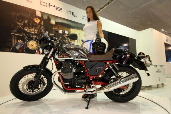05_MotoGuzzi_V7II_Racer